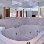Jacuzzi tub at Magnuson Hotel & Suites Alamogordo